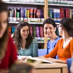 دورههای متفاوت آموزش زبان انگلیسی در موسسه تخصصی زبان کوییک